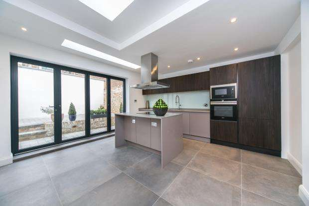 4 Bedrooms End Of Terrace House for sale in Grafton Terrace, Kentish Town, London, NW5