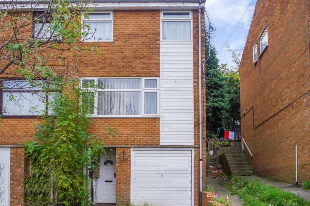 3 Bedrooms Terraced House for sale in Whiteways Grove, Sheffield, South Yorkshire, S4 8FL