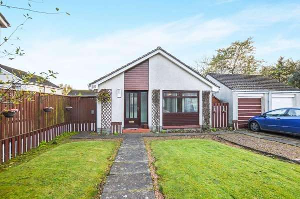 3 Bedrooms Detached Bungalow for sale in 4 Ganton Court, Kilwinning, KA13 6QT
