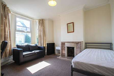 5 Bedrooms House for rent in Hemingford Road, Cambridge