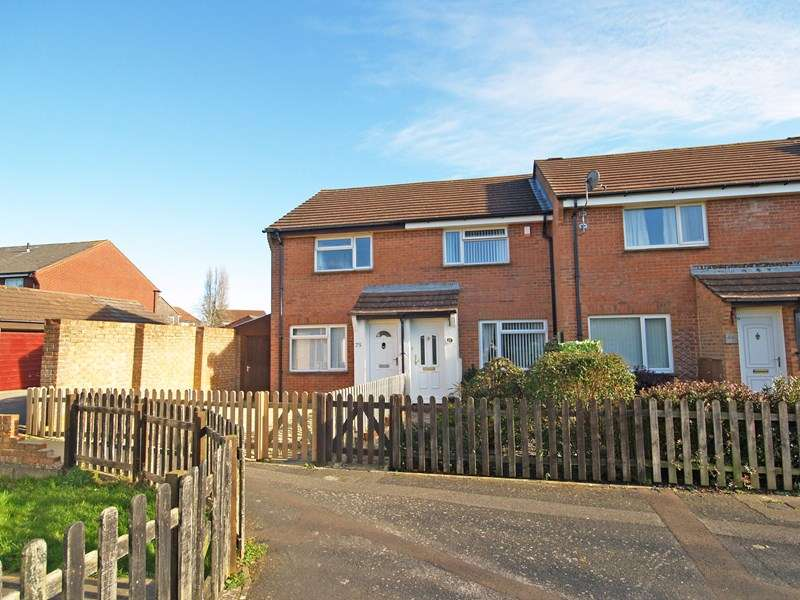 2 Bedrooms Terraced House for sale in Carisbrooke Court, New Milton