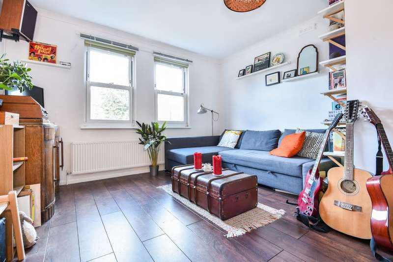 1 Bedroom Flat for sale in South View Court, Honor Oak Road, Forest Hill, SE23