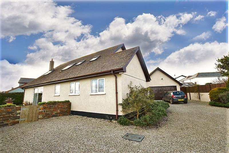 3 Bedrooms Detached House for sale in Neeham Road, St. Newlyn East, Newquay