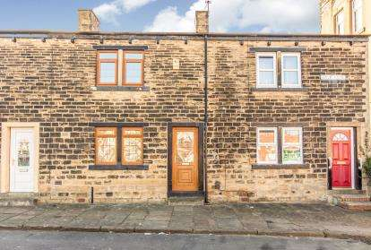 2 Bedrooms Terraced House for sale in Back Lane, Bramley, Leeds, West Yorkshire