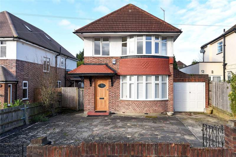 3 Bedrooms Detached House for sale in Hill Road, Pinner, Middlesex, HA5