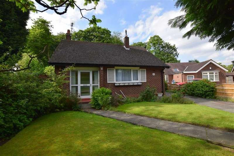 2 Bedrooms Semi Detached Bungalow for sale in Spinney Drive, Sale, M33