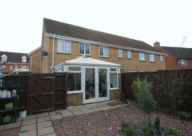 3 Bedrooms Property for sale in Waterleaze, Taunton