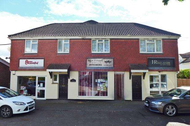 2 Bedrooms Flat for rent in WEST WELLOW - LOWER COMMON ROAD - UNFURNISHED