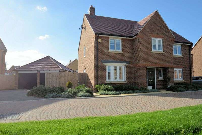 4 Bedrooms Property for sale in Barnett Road, Steventon, Abingdon