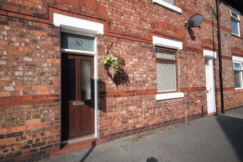 2 Bedrooms Terraced House for sale in Stirling Street. Swinley, Wigan.