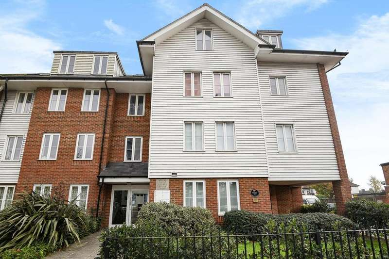 1 Bedroom Flat for sale in Well Hall Road, Eltham