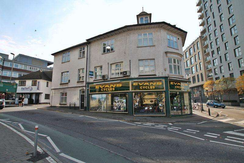 1 Bedroom Apartment Flat for sale in Guildford Road, Woking