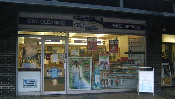 Commercial Property for sale in SURREY - DRY CLEANING UNIT
