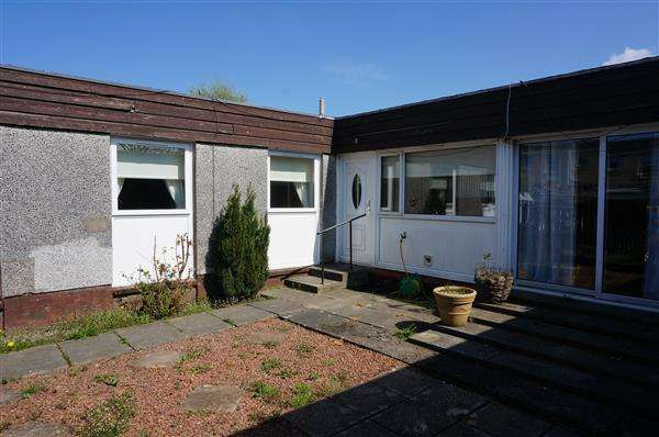 3 Bedrooms Bungalow for sale in Almond Road, Cumbernauld