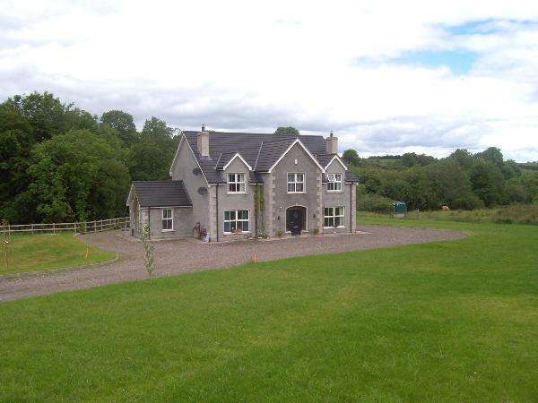 4 Bedrooms Detached House for sale in 221 Tattymoyle Road