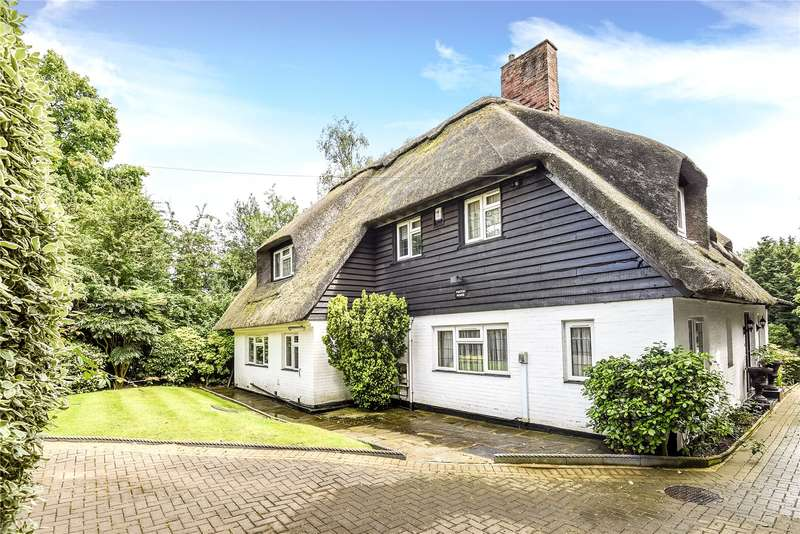 5 Bedrooms Detached House for sale in South View Road, Pinner, Middlesex, HA5