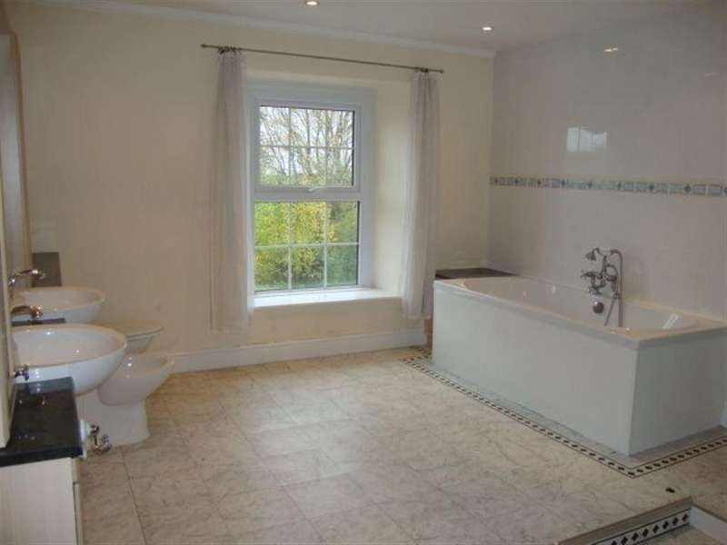 6 Bedrooms Cottage House for rent in LONGHOUSE FARM, COEDKERNEW, NP10 8UD