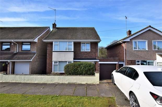 3 Bedrooms Detached House for sale in Wentworth Way, NORTHAMPTON