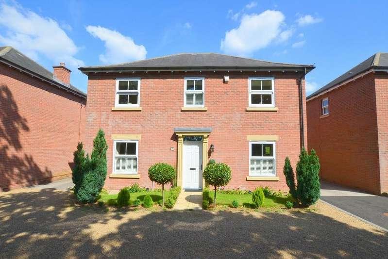 4 Bedrooms Detached House for sale in Ogden Grove, Kesgrave, IP5 2HH