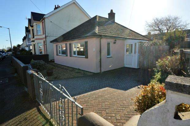 2 Bedrooms Detached Bungalow for sale in Longview Road, Saltash, Cornwall