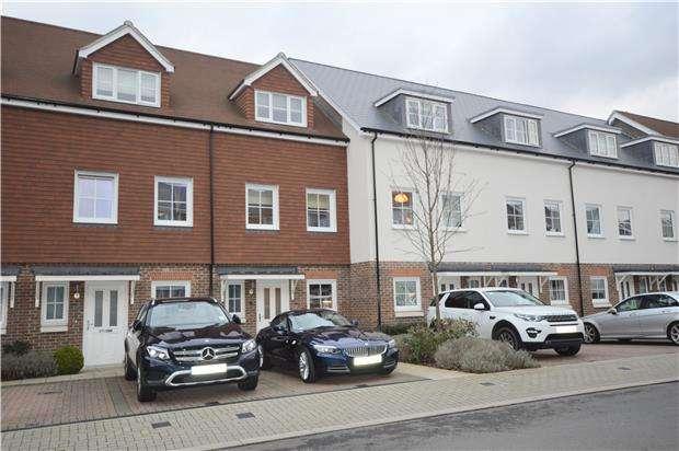 3 Bedrooms Town House for sale in Eden Road, Dunton Green, Sevenoaks, Kent, TN14 5FP