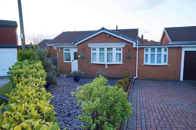 3 Bedrooms Detached Bungalow for sale in Hollowell Lane, Horwich
