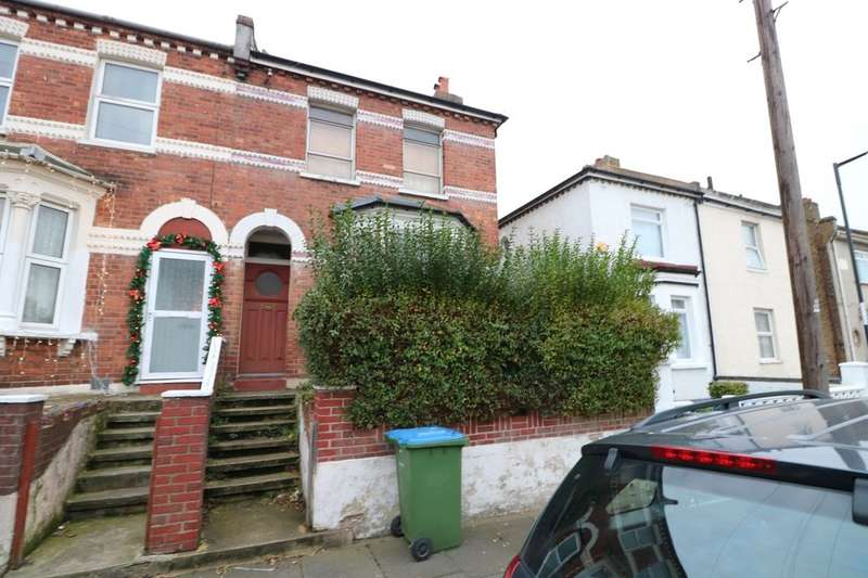 3 Bedrooms Semi Detached House for sale in Saunders Road, London, SE18