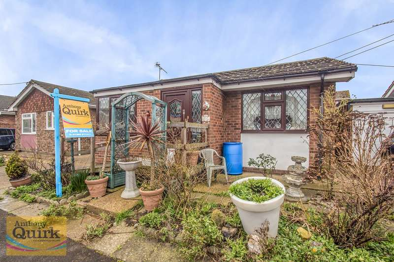 2 Bedrooms Detached Bungalow for sale in Heilsburg Road, Canvey Island, SS8