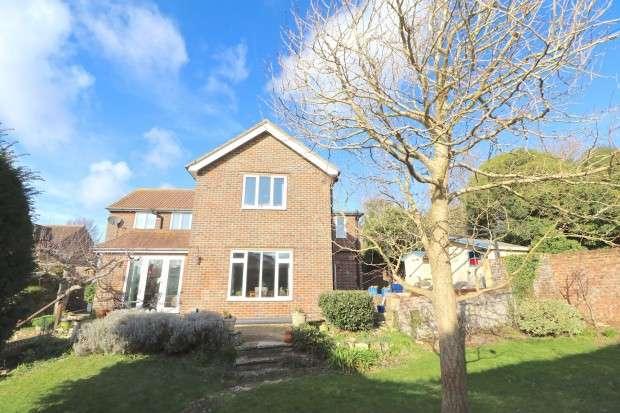 5 Bedrooms Detached House for sale in Eldon Road, Eastbourne, BN21