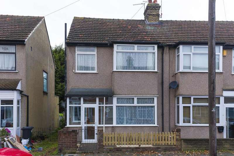 3 Bedrooms Terraced House for sale in Clive Road, Enfield, London, EN1