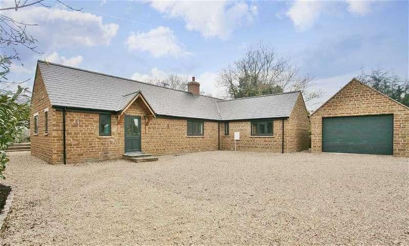 3 Bedrooms Detached Bungalow for sale in Banbury Road, North Newington