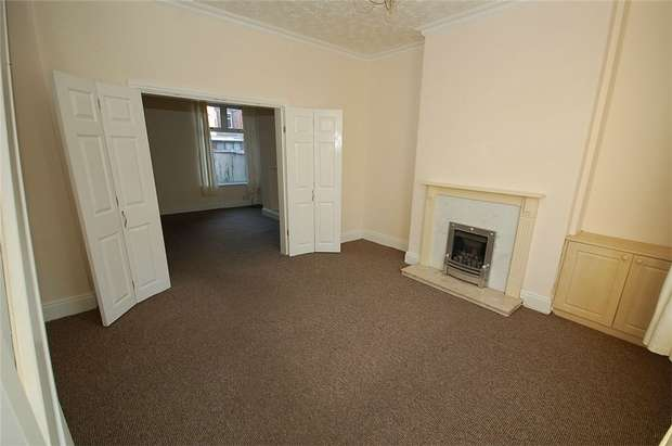 2 Bedrooms Terraced House for rent in Stanway Street, Stretford, Manchester