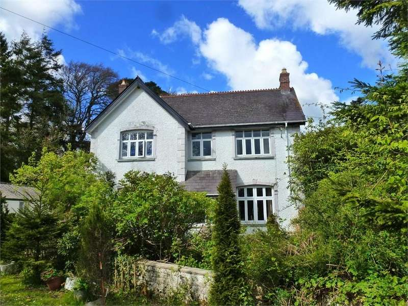 4 Bedrooms Detached House for sale in The Old Farmhouse, Rhosygilwen, Rhoshill, Cardigan, Pembrokeshire