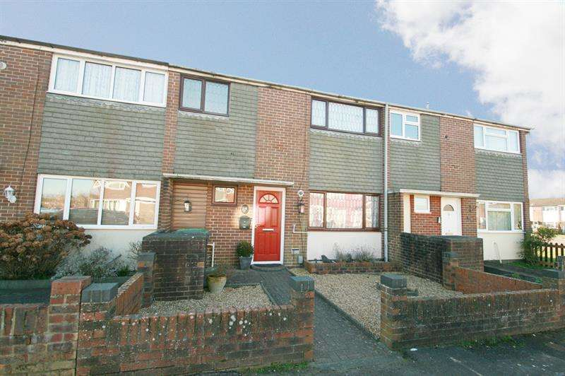 3 Bedrooms Terraced House for sale in Sunnyheath, Havant
