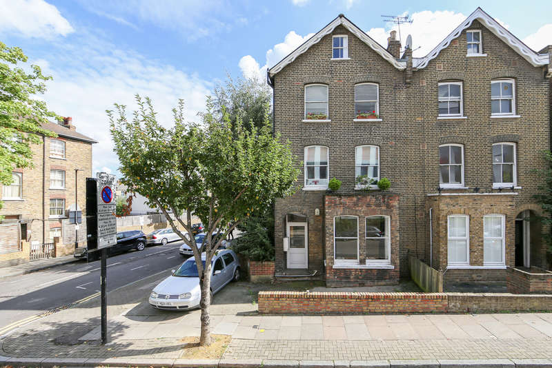 2 Bedrooms Flat for sale in Avenell Road, London