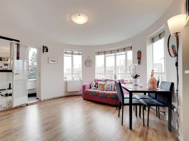 1 Bedroom Studio Flat for sale in Ruskin Park House, SE5 8TQ