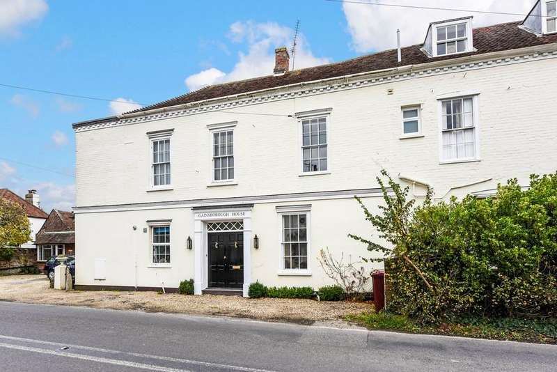 3 Bedrooms Terraced House for sale in Mid Lavant, Chichester