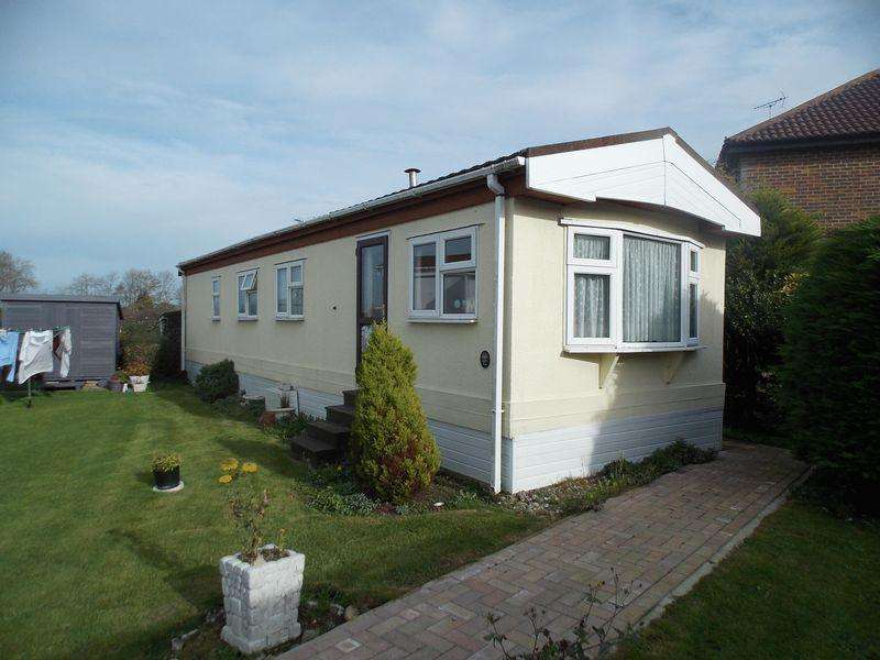 2 Bedrooms Park Home Mobile Home for sale in Upper Beeding