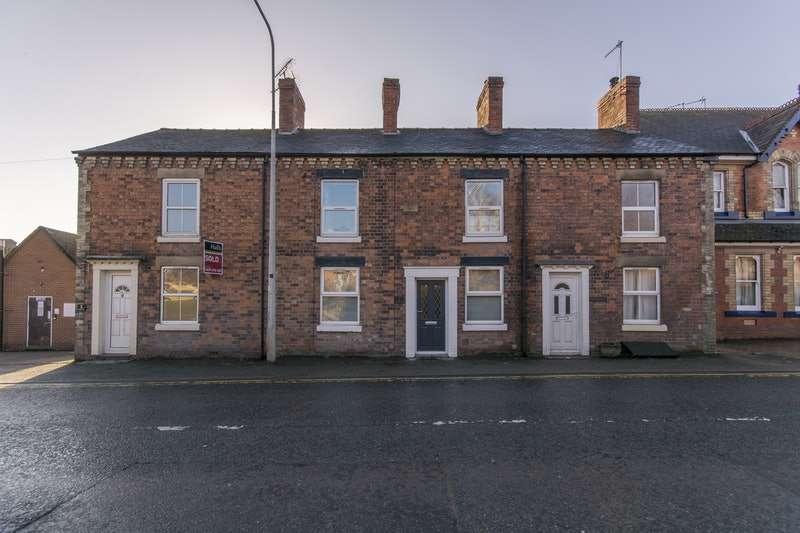 3 Bedrooms Terraced House for sale in Cambria Terrace, Llansantffraid, Powys, SY22