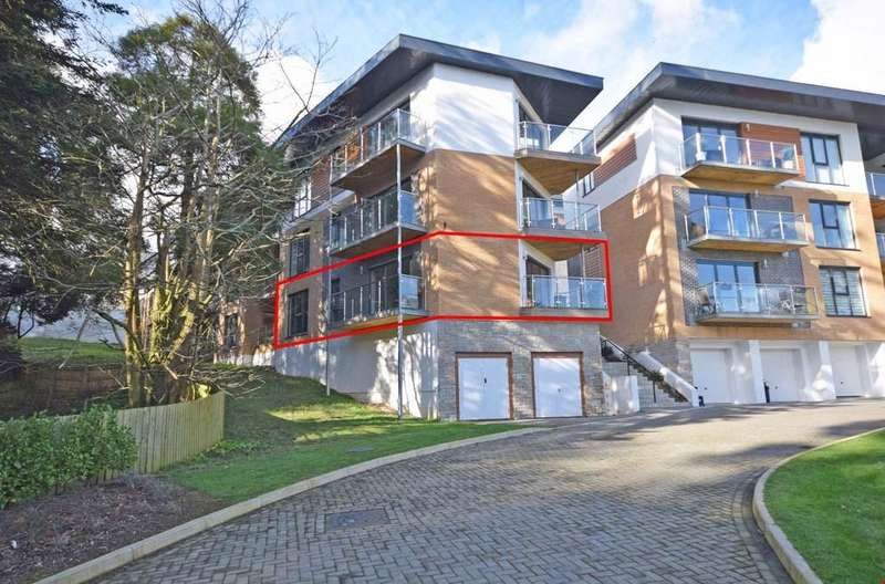 2 Bedrooms Ground Flat for sale in Duporth, St Austell, Cornwall, PL26