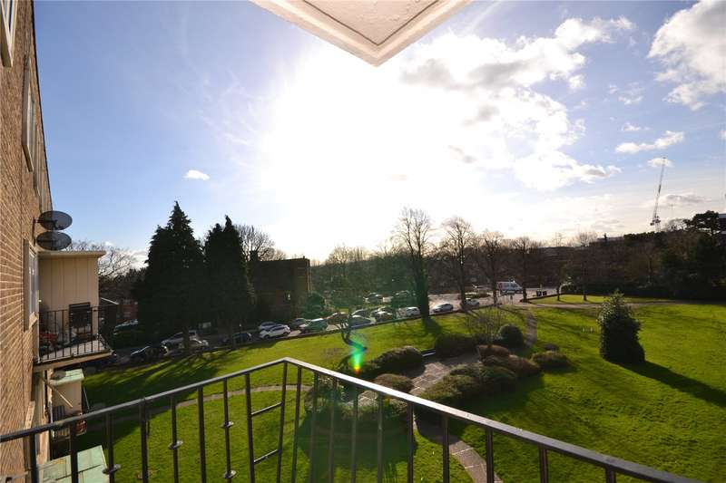 3 Bedrooms Apartment Flat for sale in The Hollies, Oakleigh Park North, London, N20