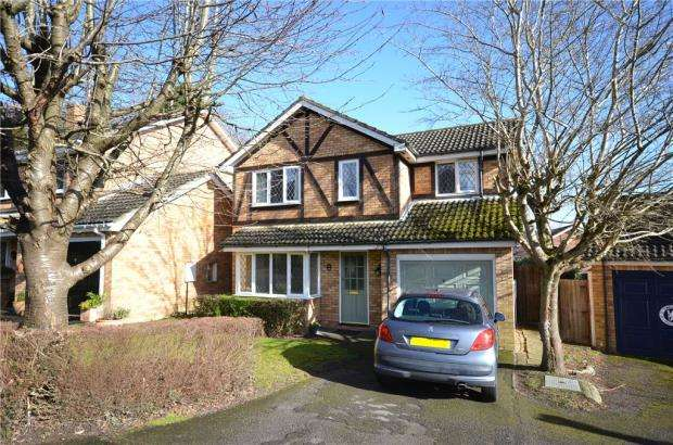 4 Bedrooms Detached House for sale in Tippits Mead, Bracknell, Berkshire