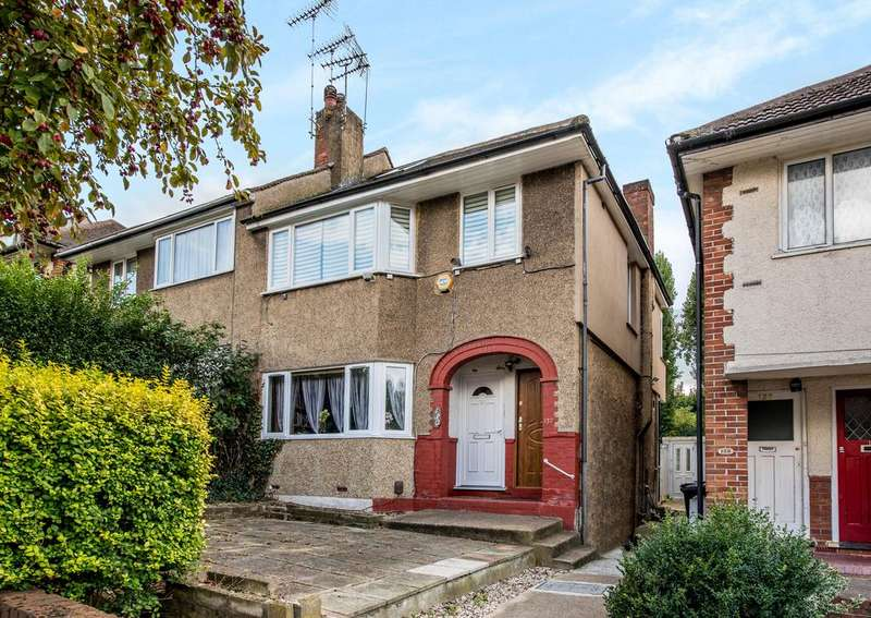 1 Bedroom Flat for sale in Connell Crescent, Ealing