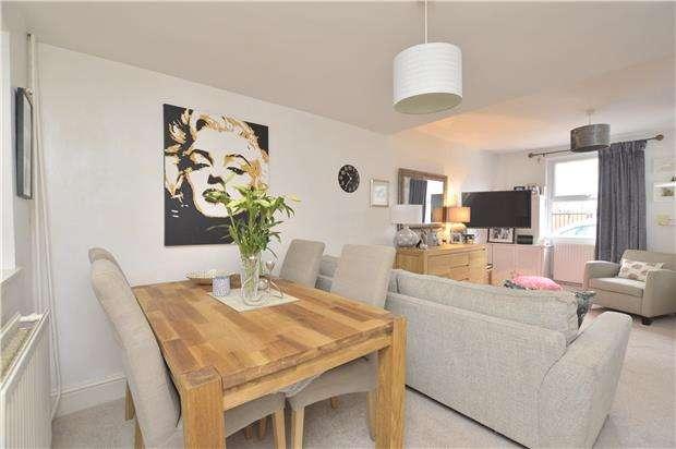 2 Bedrooms Terraced House for sale in Upper Park Street, CHELTENHAM, Gloucestershire, GL52