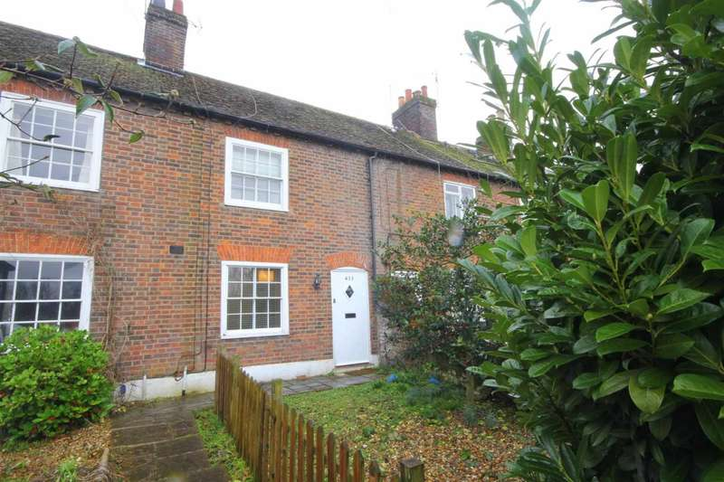 2 Bedrooms Cottage House for sale in PARKING close to STATION with 2 DOUBLE BEDROOMS in BOXMOOR.