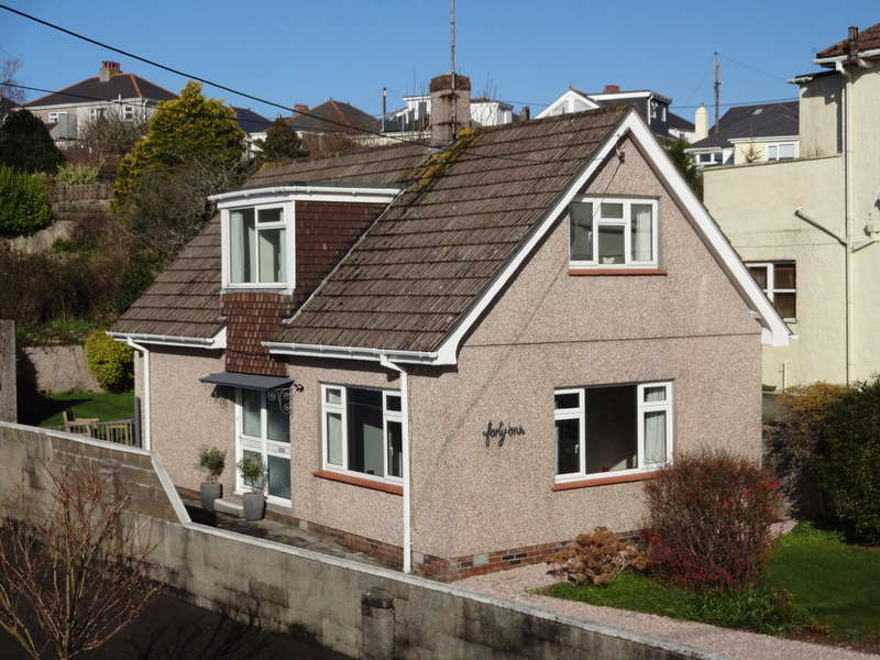 3 Bedrooms Detached House for sale in Dean Park Road, Plymstock, Plymouth