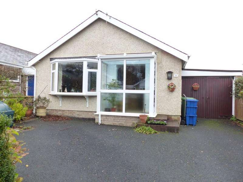 3 Bedrooms Bungalow for sale in 49 Llwyn Ynn, Talybont, LL43
