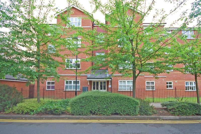 2 Bedrooms Apartment Flat for sale in Massingberd Way, Tooting Bec