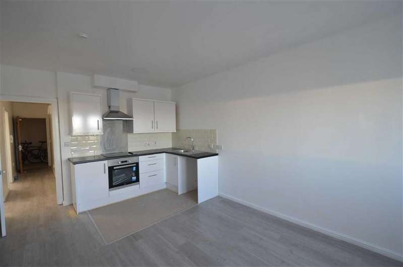 2 Bedrooms Flat for rent in Gateshead
