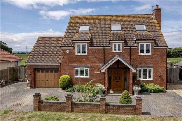5 Bedrooms Detached House for sale in Catcott Road, Burtle, Bridgwater, Somerset